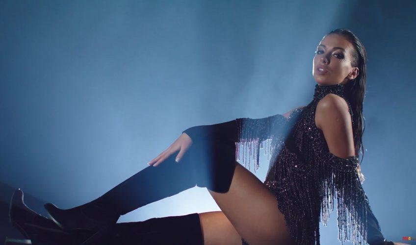 Η Cira μας συστήνεται με το «Hun Bun» και μαζί με ένα εντυπωσιακό video clip