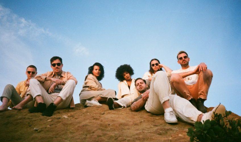 """Με ιδιαίτερη χαρά η XL Recordings ανακοίνωσε τα 2 νέα τραγούδια των Jungle, """"Happy Man"""" και """"House in L.A.""""."""