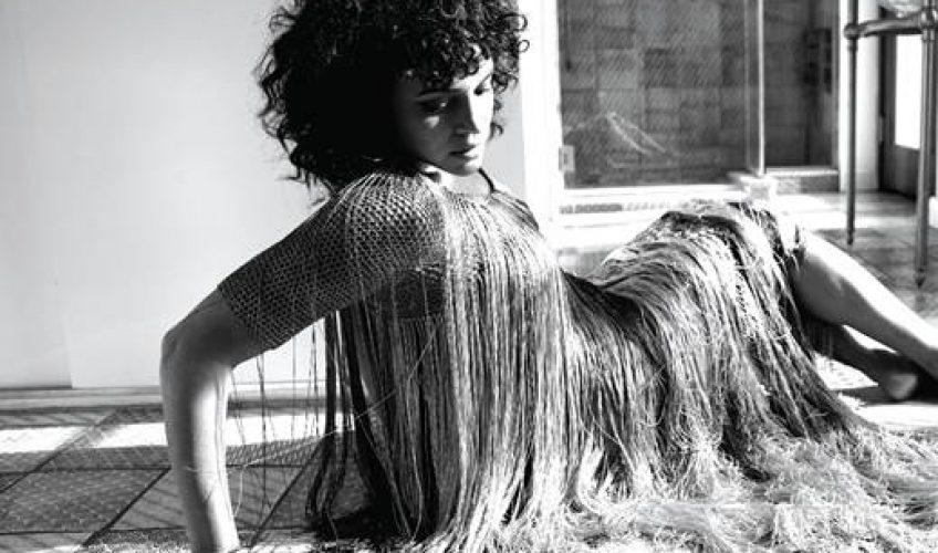 Η 9 φορές βραβευμένη με Grammy τραγουδίστρια και στιχουργός Norah Jones, κυκλοφορεί το νέο της τραγούδι 'I'm Alive'.