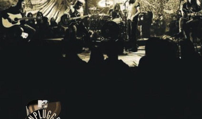 """Το θρυλικό συγκρότημα Pearl Jam κυκλοφορεί για πρώτη φορά σε CD το """"MTV Unplugged""""."""